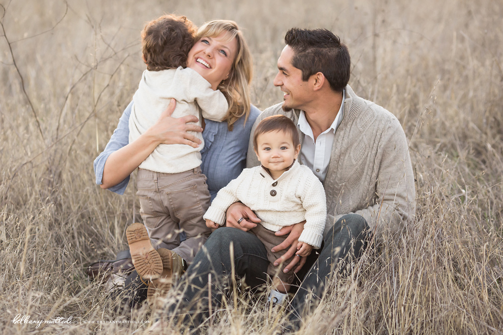 Bay Area Family Photographer \u00b7 Warm Snuggles and Smiles